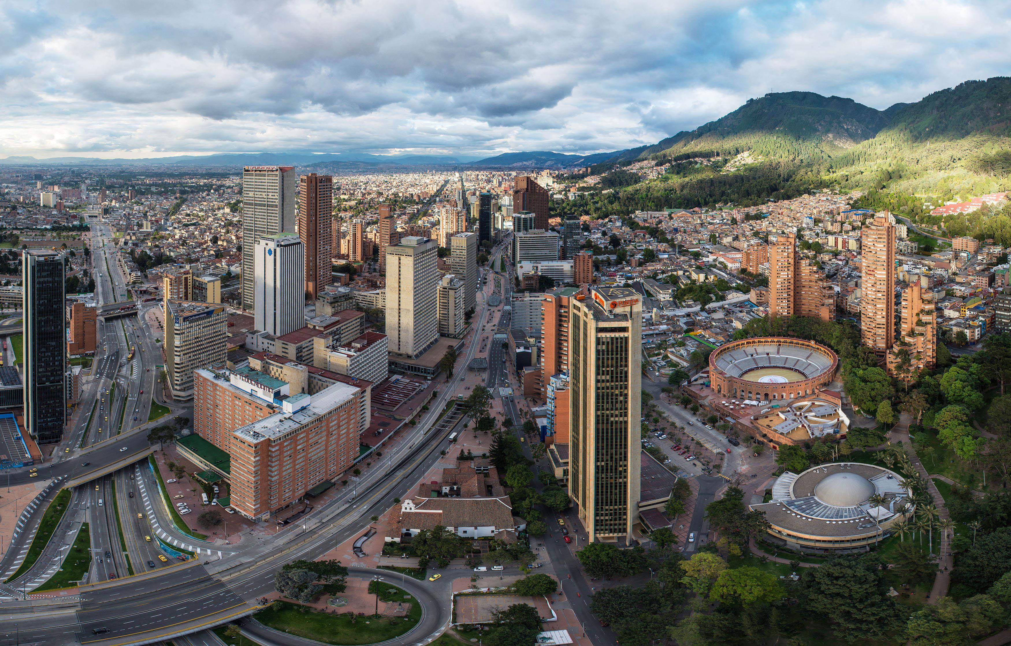 Fotografía arquitectónica de Bogotá Diurna