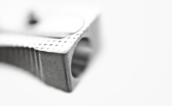 Fotografía en blanco y negro de tajalapiz